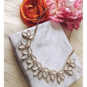 Nwt Pearly jewel necklace